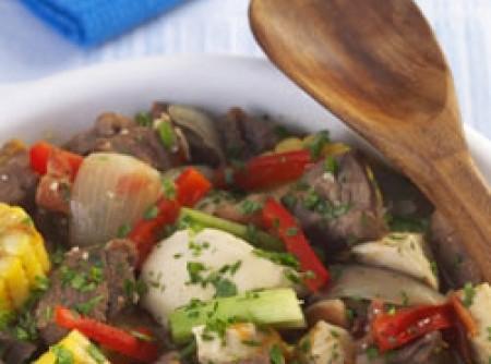 Ensopado de carne, frango e milho | ARON ANTUNES CORREA
