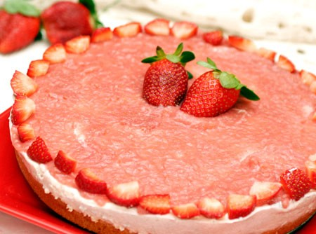 Torta Mousse de Morangos | CyberCook