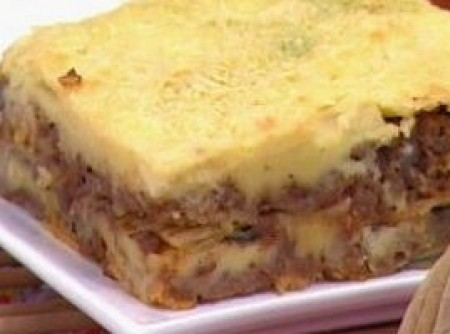 Moussaka com Batata Chips