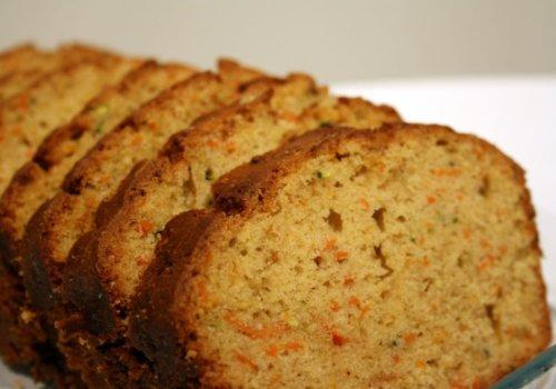 Pão de Cenoura com Talos e Folhas