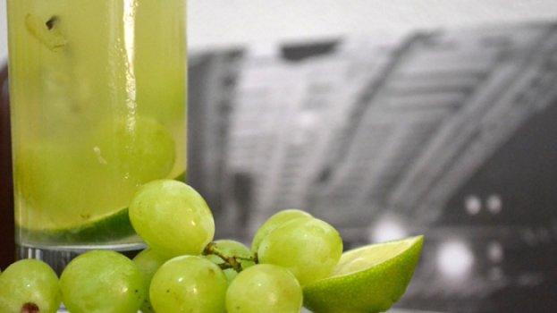 Caipirinha de Uva com Limão
