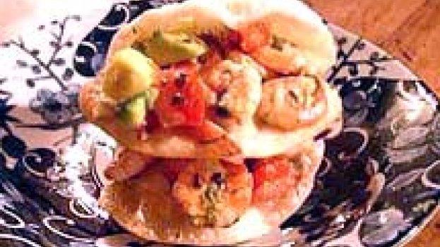 Salada de Camarão e Abacate com Molho de Tangerina