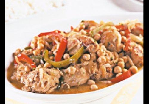Ensopado de frango com grão de bico