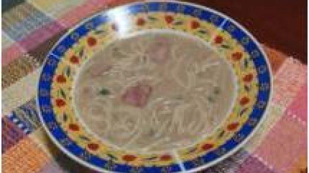 Caldo de Feijão com Espaguetinho