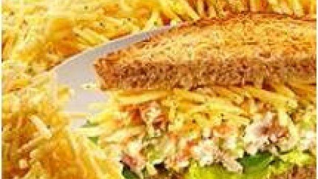 Sanduiche de batata palha