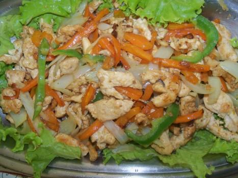 Tirinhas de frango com cenoura