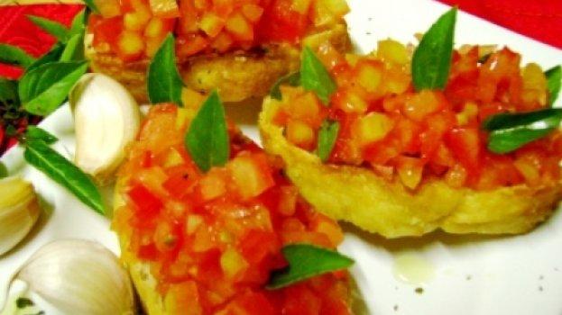 APERITIVO - Torradas com Tomates e Alho