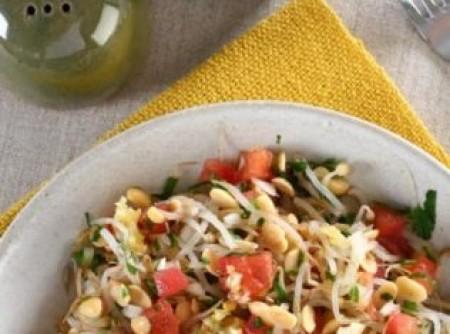 Salada de broto de feijão com soja | alessandra lacerda