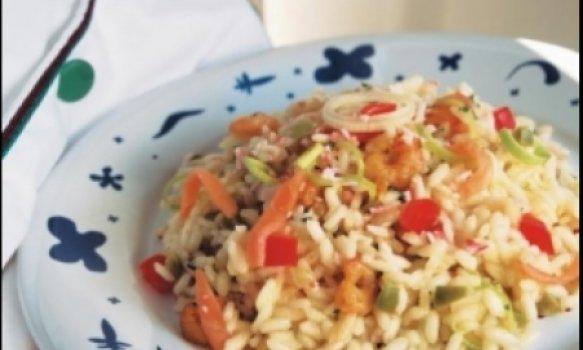 Risoto de camarão e legumes