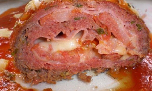 Rocambole de Carne Moída com Castanhas de Cajú