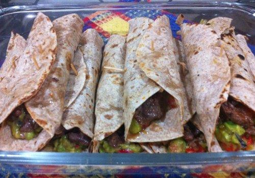 Burritos com Guacamole e Carne