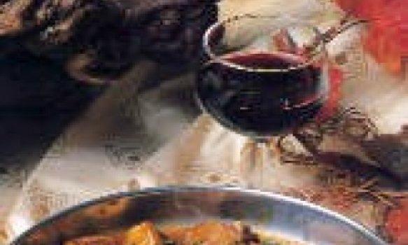 Carne suína com castanhas e cebolinhas