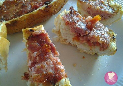 Pão com Linguiça e Tomate Seco na Churrasqueira