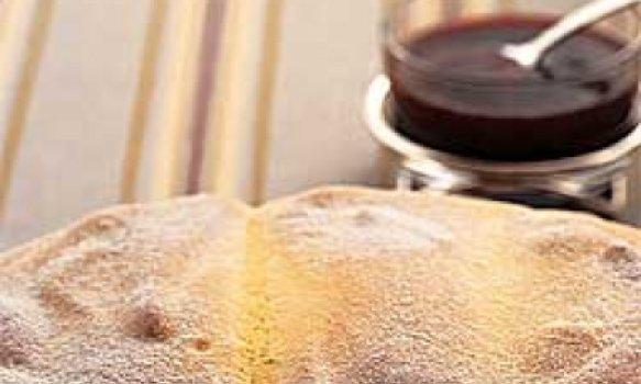 Suflê austríaco com calda gelada de framboesa