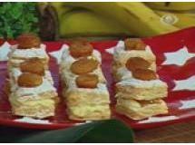 Quadradinhos Folhados com Bananas Carameladas