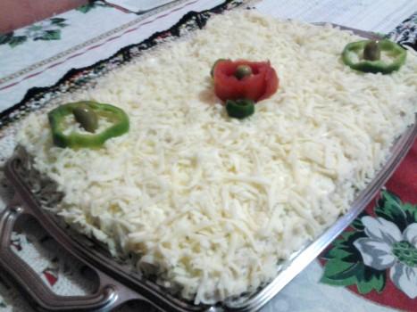 Torta Fria de Pão de Forma com Frango | Danielle de Cássia Santos Medeiros