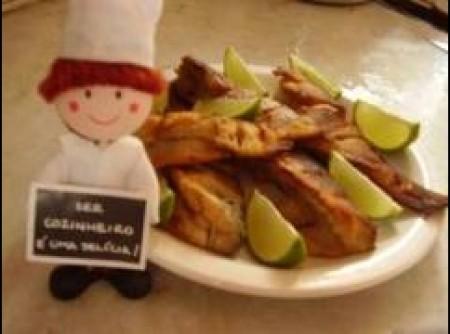 Peixe frito empanado