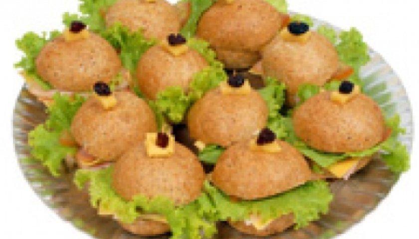 Sanduíche de coxa de frango com palmito