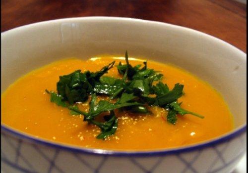 sopa de abobora e batata salsa