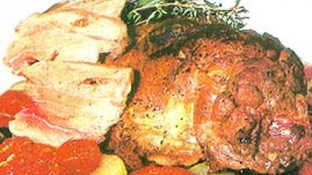 Pernil de Cordeiro com Molho de Hortelã