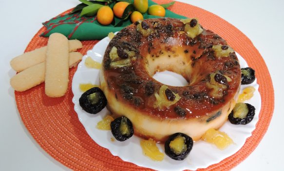 Pudim de Biscoito Champanhe e Frutas