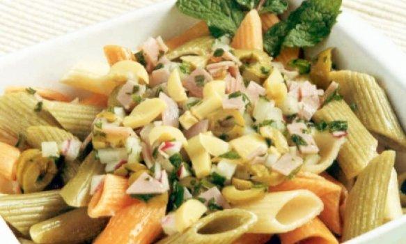 Salada Colorida de Macarrão