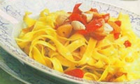Delicioso Fettucine com Açafrão e Tomate-Cereja