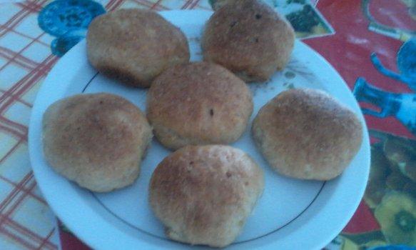 Pãezinhos de batata e aveia recheados