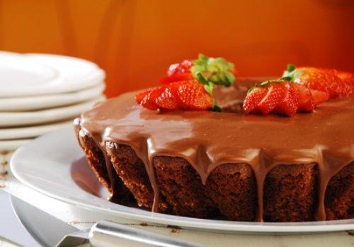 Bolo de Chocolate e Morango