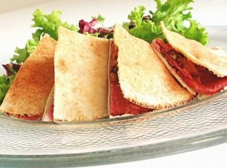 Sanduíche light de tender no pão sírio | Marcos D. Samara