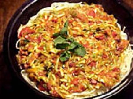 Spaghetti com zucchini alla menta