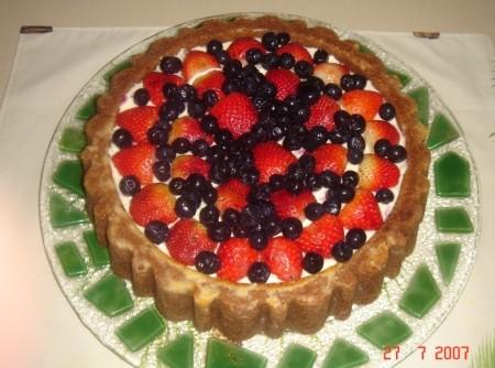 Bolo de Mascarpone com Frutas Vermelhas
