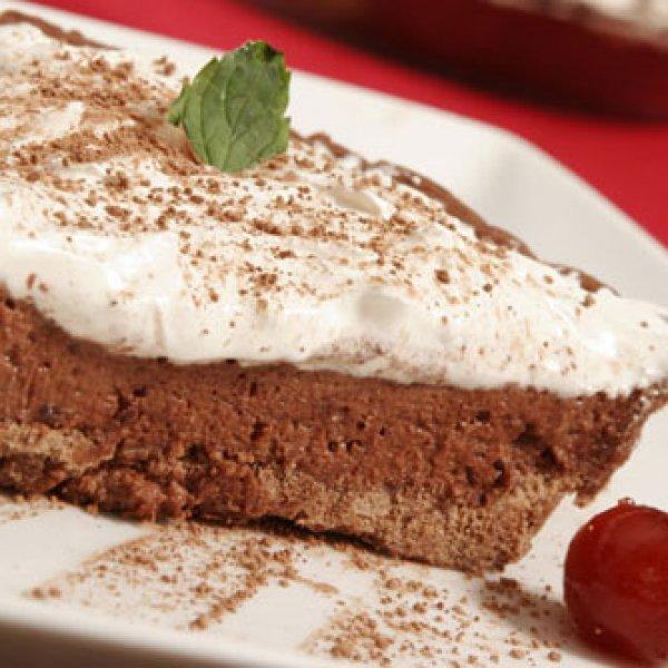 Torta de Chocolate com Marshmallow de Microondas - Receitas CyberCook