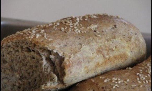 Pão integral com linhaça