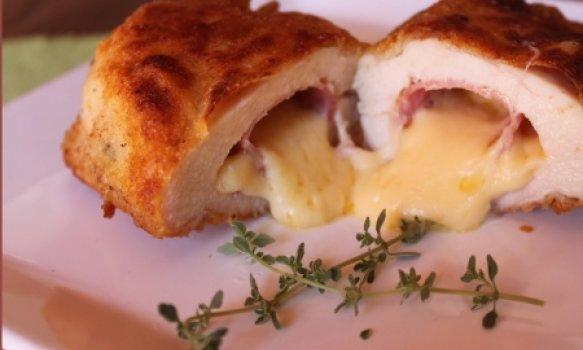 Peito de frango recheado com bacon presunto e queijo