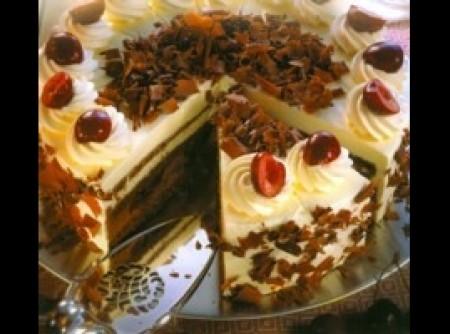 SCHWARZWÄLDER TORTE - torta floresta negra