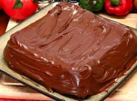 Bolo de Chocolate de Liquidificador com Mousse de Maracujá