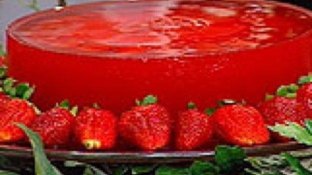Bolo de vidro de morango