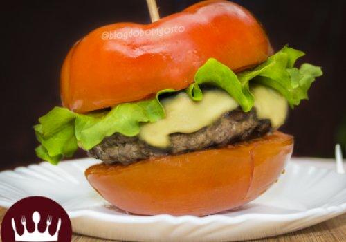 Hambúrguer no Tomate Grelhado