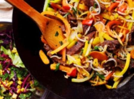 Carne Refogada à Chinesa com Hortaliças