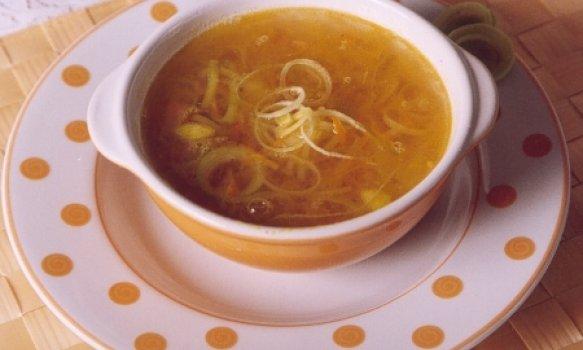 Sopa de Alho-Poró e Batatas