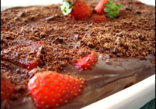 Pavê de Chocolate com Morangos