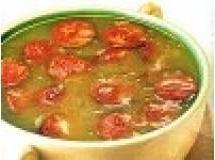 Sopa de batata com alho e lingüiça