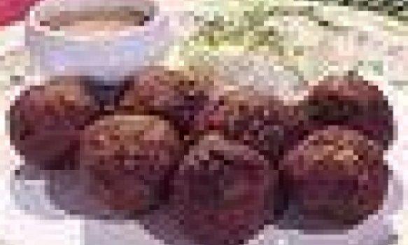 Bolinho de carne e batatas
