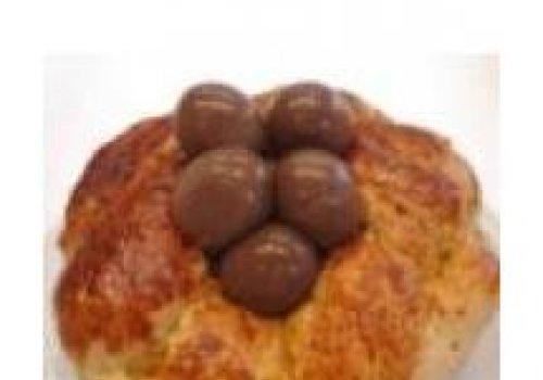 Ninho de páscoa com ovos de chocolate