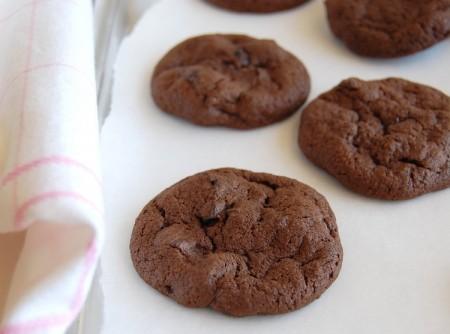 Cookies duplos de Chocolate e Cerejas secas