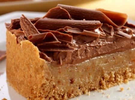 Torta de amendoim e chocolate