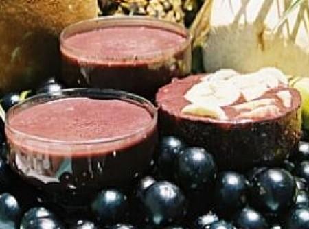 Batida de Iogurte e Açaí