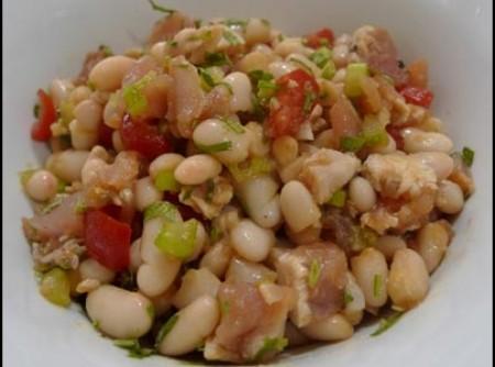 Salada de feijão com atum | JUNISVALDO DA SILVA