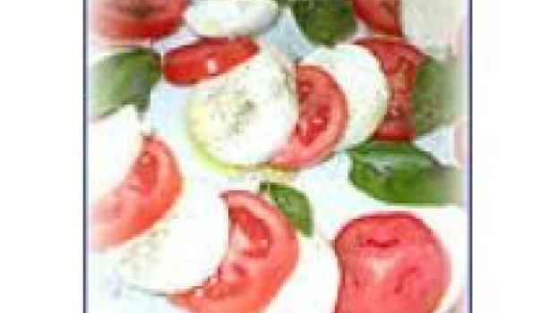 Salada Caprese Compesto de Azeitonas Pretas